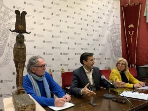 Imagen de archivo del artista, con Cuenca y De Leyva, denunciando la situación en diciembre pasado.