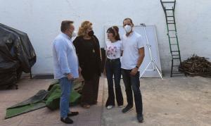 Rocío Mesa, segunda por la dcha., junto a diputados provinciales.