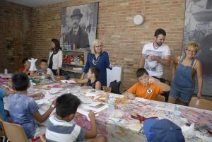 El taller acerca la obra de Falla a los niños y niñas.