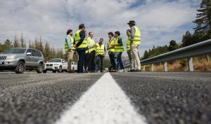 Nuevo asfalto en el tramo del Puerto de la Mora.