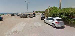 Acceso a la playa a la altura de Los Moriscos.