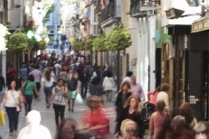 La calle Mesones es uno de los centros del comercios local.