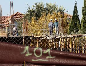 Imagen de archivo de trabajadores en una obra.