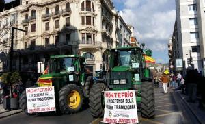 La histórica tractorada del 19 de febrero en el centro de Granada.