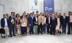 Representantes empresariales e institucionales, antes de la asamblea de OnGranada Tech City.