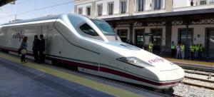 El AVE por fin llegó a Granada.