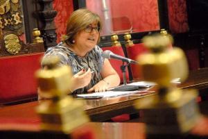 La concejal Ana Muñoz explica el programa formativo.