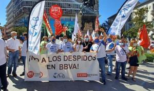 Concentracón de protesta en la plaza Isabel la Católica.