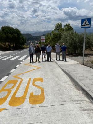 Dársena para el transporte urbano en Beas de Granada.