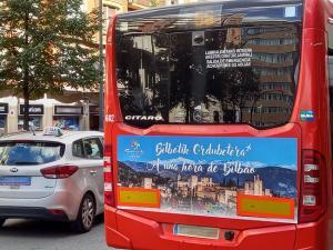 Promoción en los autobuses de Bilbao, en el marco de la campaña.