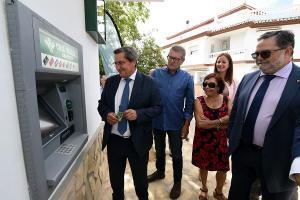 El cajero automático ha entrado en funcionamiento este martes en Játar.