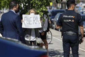 Protesta a las puertas de Rovi.
