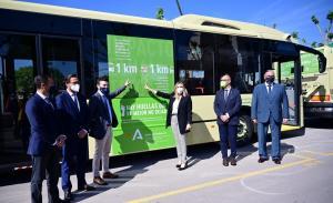 La Junta ha presentado el primer autobús híbrido del Consorcio en Granada.