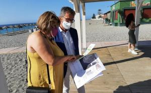 El delegado de Turismo, con la alcaldesa pedánea de Carchuna-Calahonda.