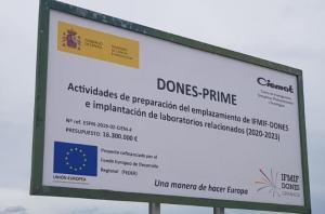 Cartel en el Parque Metropolitano de Escúzar anunciando las instalaciones.