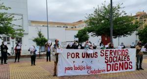 Concentración este jueves frente al centro de Servicios Sociales de La Chana.