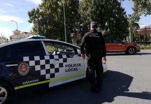 Un control de la Policía Local granadina.