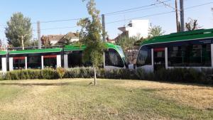 Un tren doble, acoplado, que ha circulado este lunes.