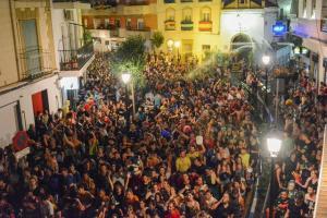 Las calles, repletas durante la fiesta.