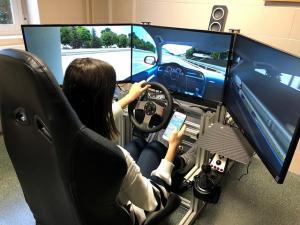 Una participante en el estudio, en un simulador .