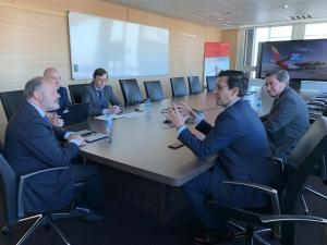 Un momento de la reunión de Cuenca y Entrena con la dirección de Iberia.