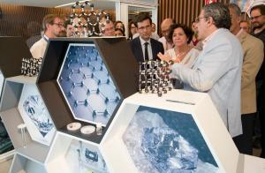 Inauguración de la Ventana a la Ciencia sobre grafeno.