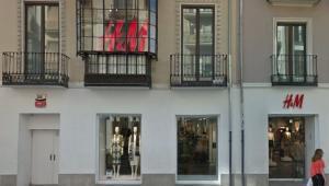 Tienda de H&M en Reyes Católicos.
