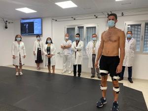 Imagen del nuevo laboratorio y los profesionales del hospital.