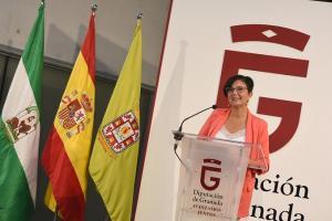 La diputada Mercedes Garzón presenta la convocatoria de ayudas.