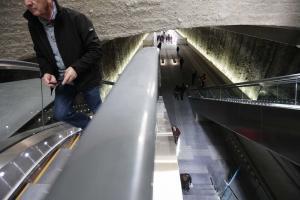 Escaleras de la estación de Alcázar de Genil.