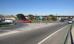 Rotonda de la salida hacia La Zubia.