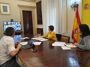 Sandra García, preside la Mesa del Aeropuerto.
