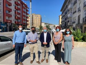 El diputado provincial de Obras con el alcalde de Loja y otros representantes municipales.