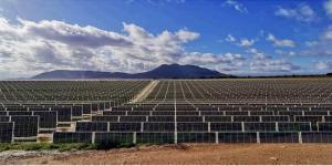 Recreación de cómo quedará el paisaje muchas zonas de la provincia con las macroplantas solares.