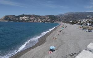 Imagen de archivo de la playa de La Herradura.