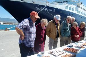 Cruceristas este jueves en Motril.