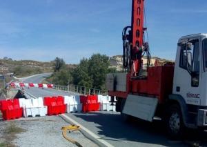 Puente de la carretera A-4200 tras cortarse el tráfico por las lluvias de septiembre.