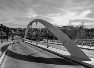 Imagen proyectada en la exposición del puente sobre el Genil.