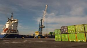 El Puerto de Motril es una de las vías de exportación de los productos granadinos.