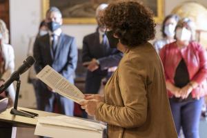 La rectora durante la lectura de la Declaración de Granada.