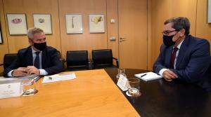 Reunión de José Entrena con José García Fuentes.