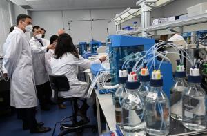 Instalaciones de Rovi durante la visita del presidente Pedro Sánchez en mayo