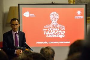 Alberto Aragón, director de la Cátedra, en la presentación.
