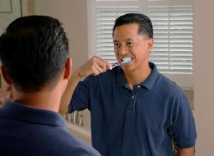 Una correcta higiene bucal puede evitar la impotencia sexual.