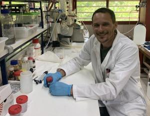 Mattia Bramini , investigador de la UGR, es uno de los autores del trabajo.