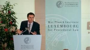 Luis M. Hinojosa Martínez.