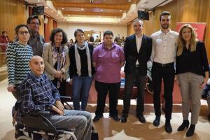 En la presentación de la campaña ha participado, además de Pilar Aranda, Jorge Abarca (sentado, a la izqda).
