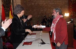 La Reina Sofía entrega el premio al profesor de la UGR José. M. Martín Civantos