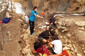 Excavaciones en los Tajos de Marchales de Colomera.