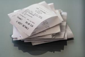El 90% de los tickets de compra contiene bisfenol-A.